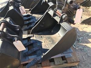 CAT Excavator Bucket - 300mm