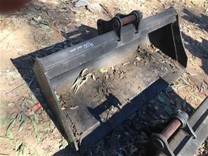 CAT Excavator Bucket - 900mm