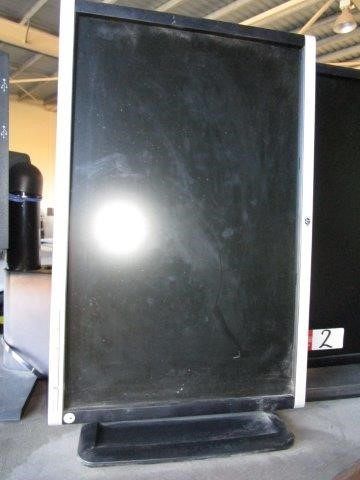 Hewlett Packard 22inch Monitor on Stand