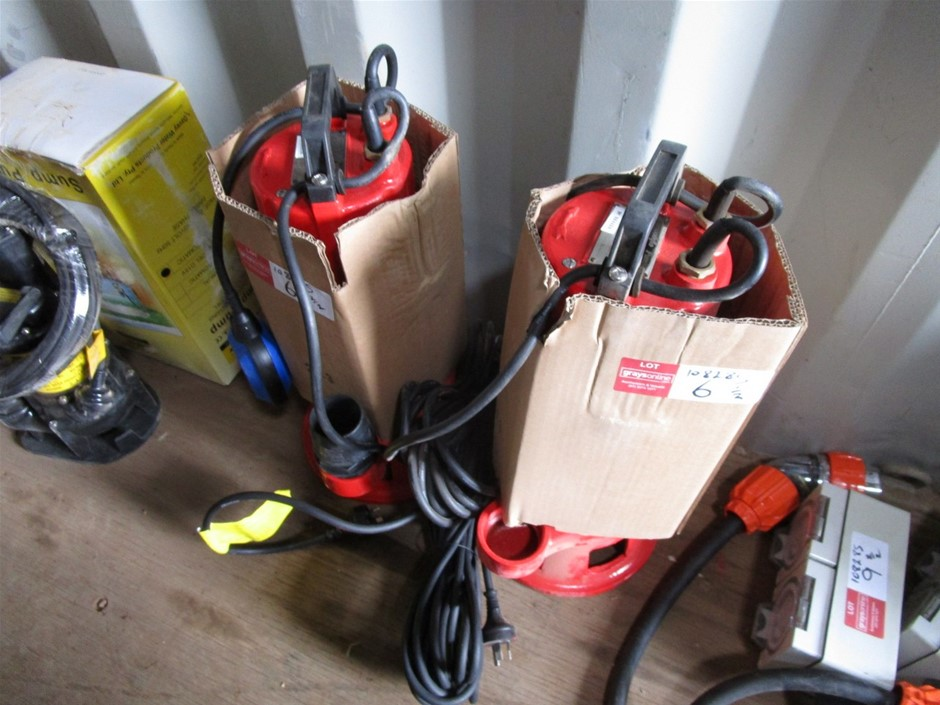 2 x Smoothflow Pumps Submersible Pumps