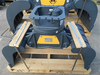 Mustang Grapple Attachments