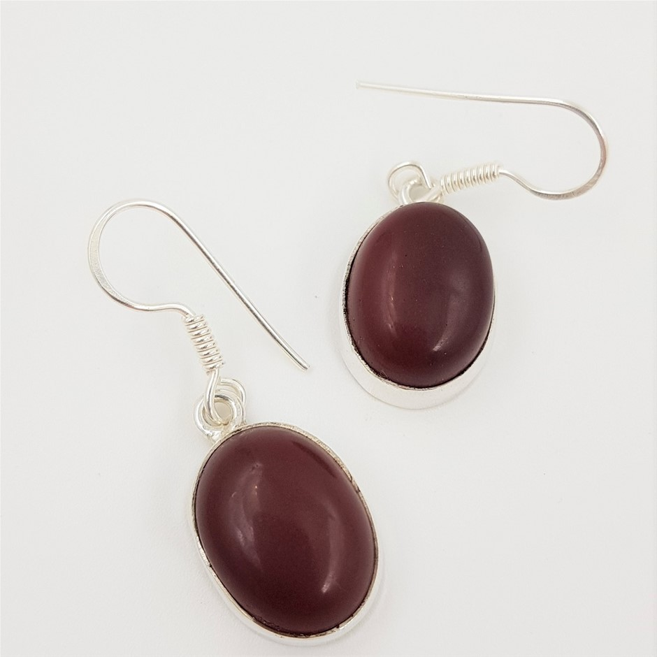 Sterling Silver & Red Carnelian Gemstone Earrings.