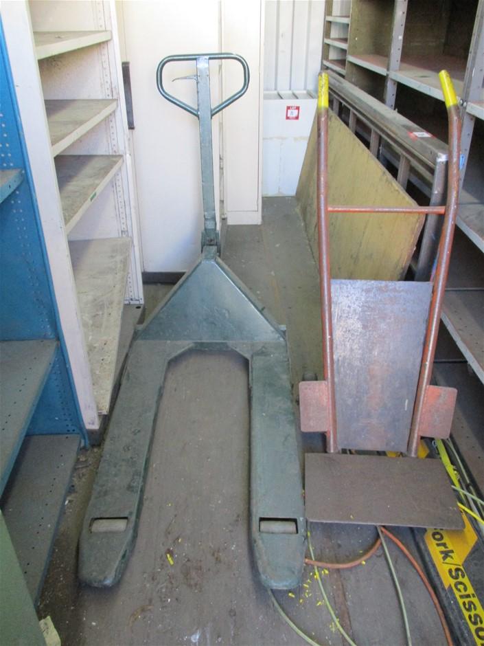 Assorted Lifting Equipment comprising: