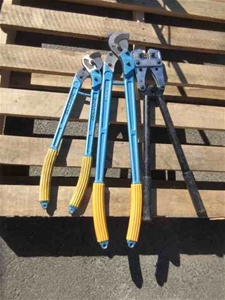 1 x Cable Cutting and Crimping Set