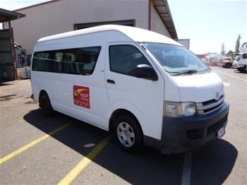 2007 Toyota HiAce D4D RWD Manual Commuter Van