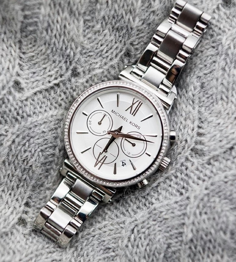 Ladies new Michael Kors Couture NY 'Sophie' stunning chrono watch.
