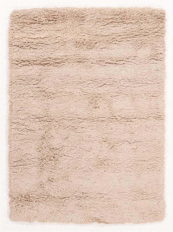 Hand Tufted Shaggy Floor Rug Size (cm): 120 x 180