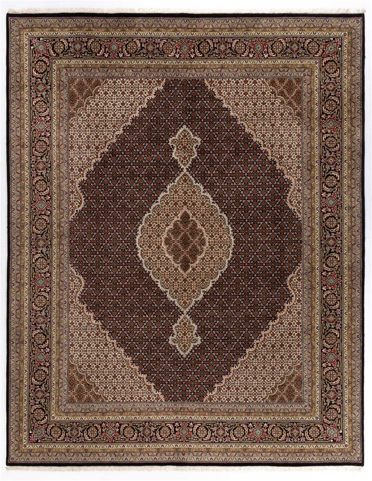 Mahi Design Pin Point Qualityn Hand Knotted Rug Size (cm): 242 x 305