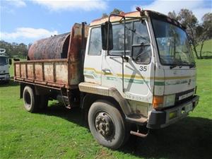 Mitsubishi FK455F 4x2 Tipper Truck