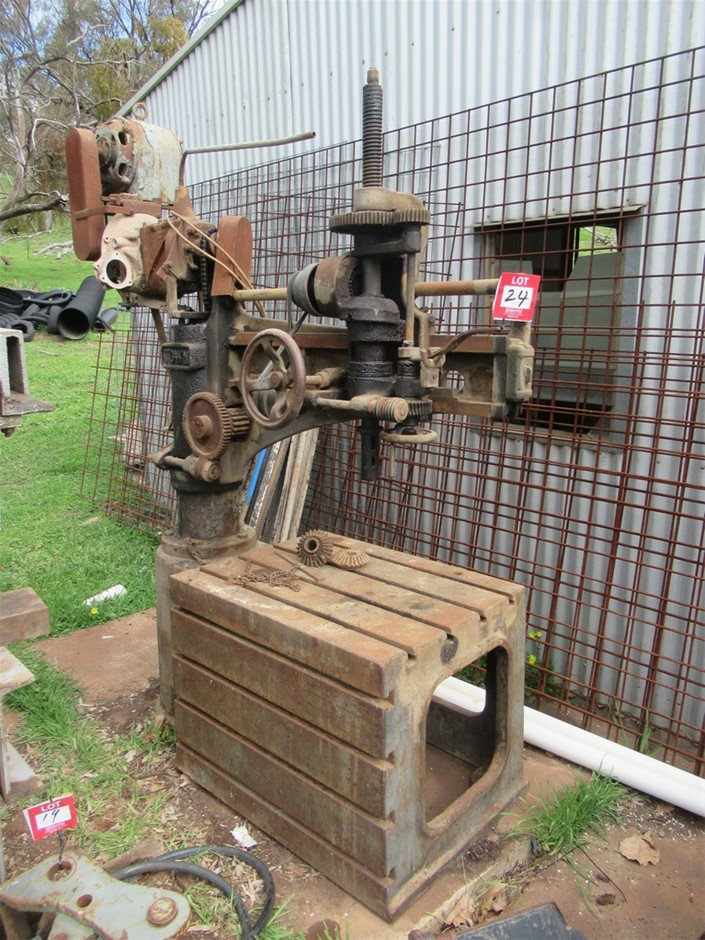 Town Radial Arm Drill