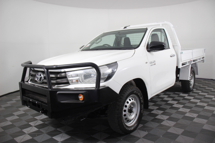 2015 Toyota Hilux SR (4x4) Turbo Diesel Automatic Cab Chassis 94,446km