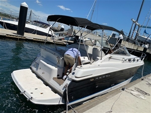 2005 Regal `Forever` 28ft Runabout Boat
