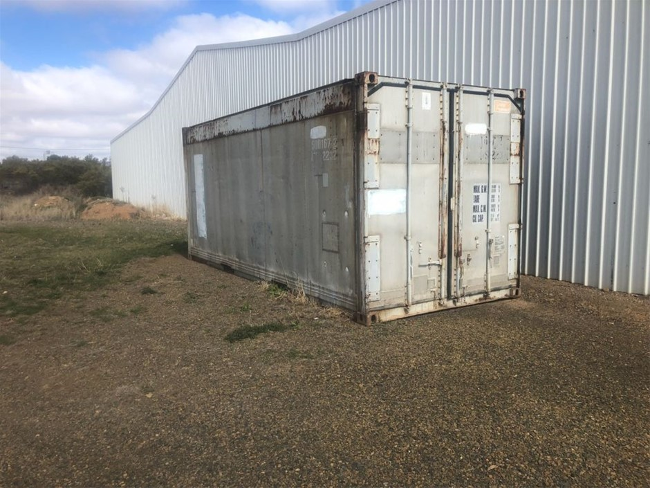 20ft container air tight. Has refrigeration unit but unsure is working