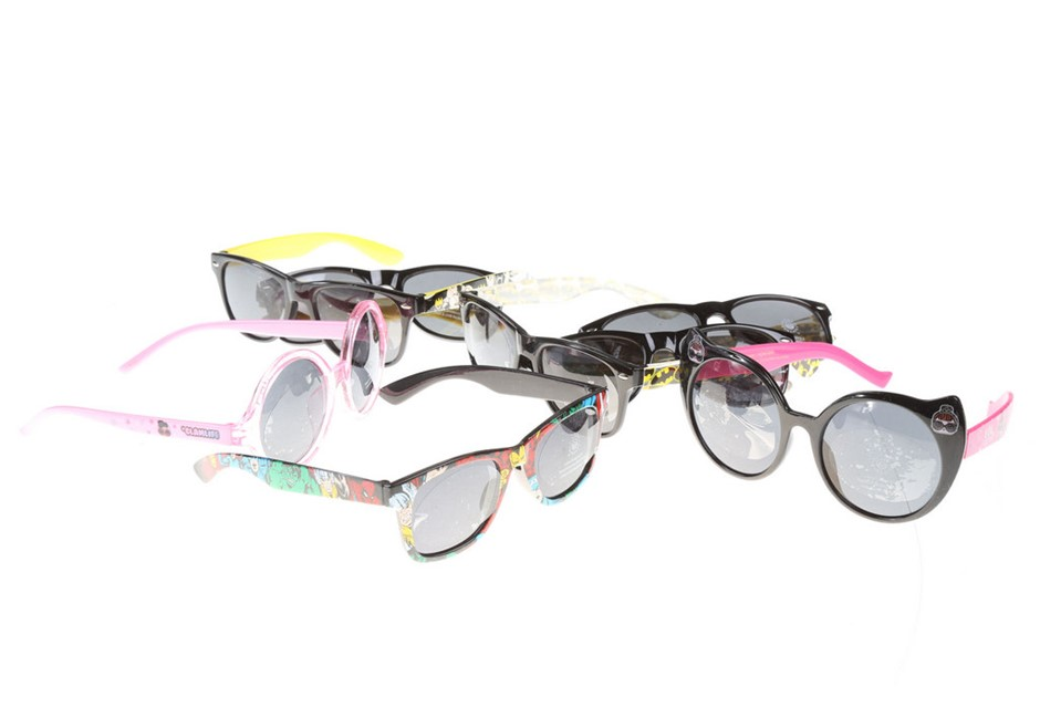 8 x Assorted Children`s Novelty Sunglasses, Incl; LOL, BATMAN, AVENGERS, GL