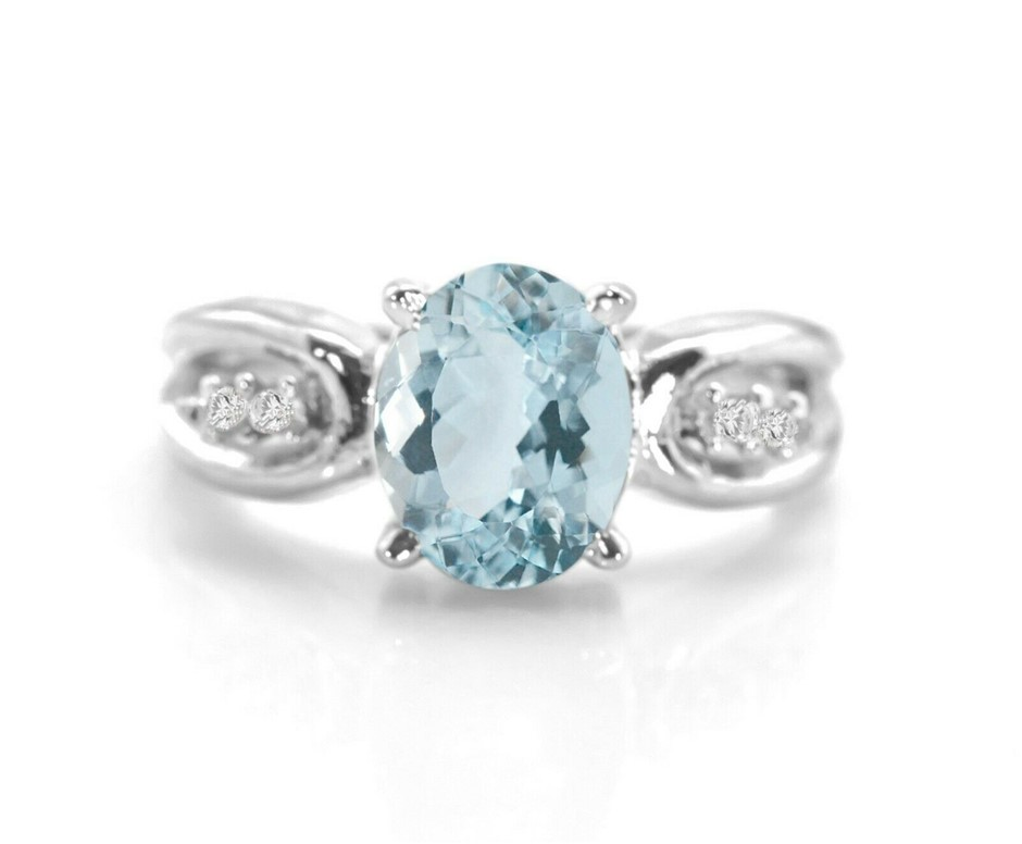 Striking Genuine Aquamarine Ring.