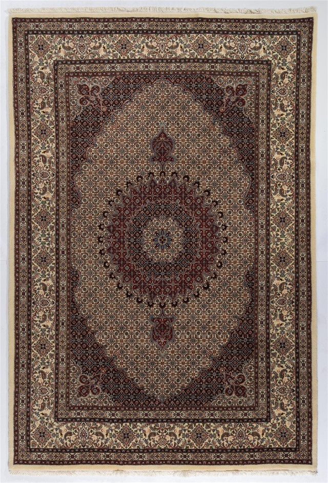 Persian Mood Hand Knotted Fine Quality Wool Pile Rug Size (cm): 201 x 300