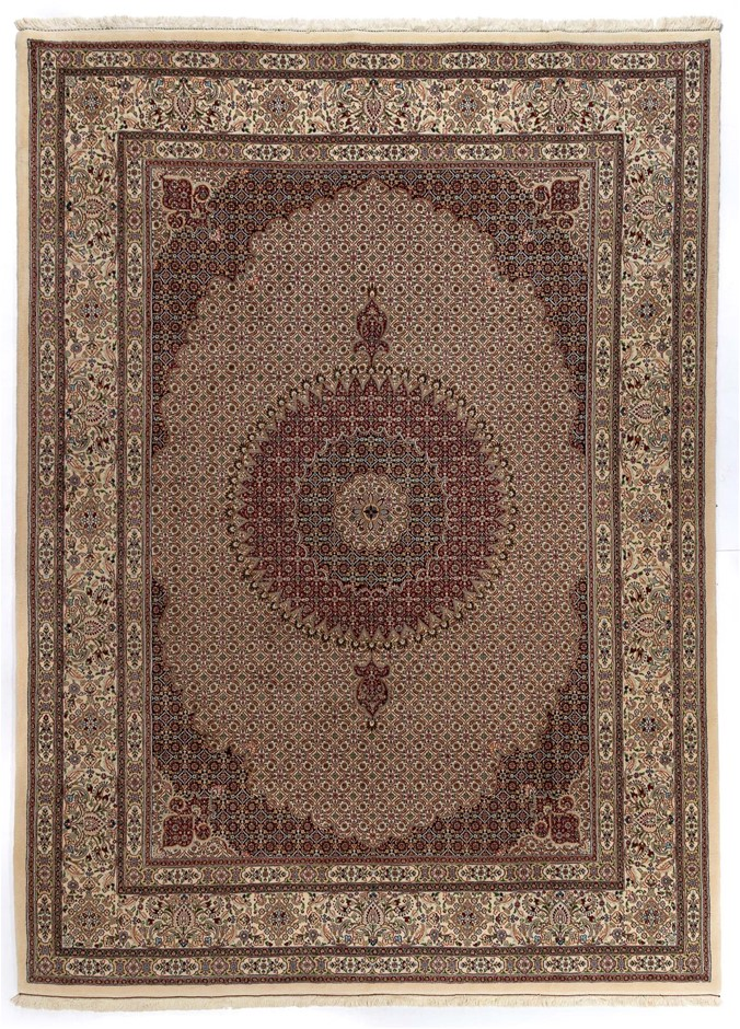 Persian Mood Hand Knotted Fine Quality Wool Pile Rug Size (cm): 250 x 345
