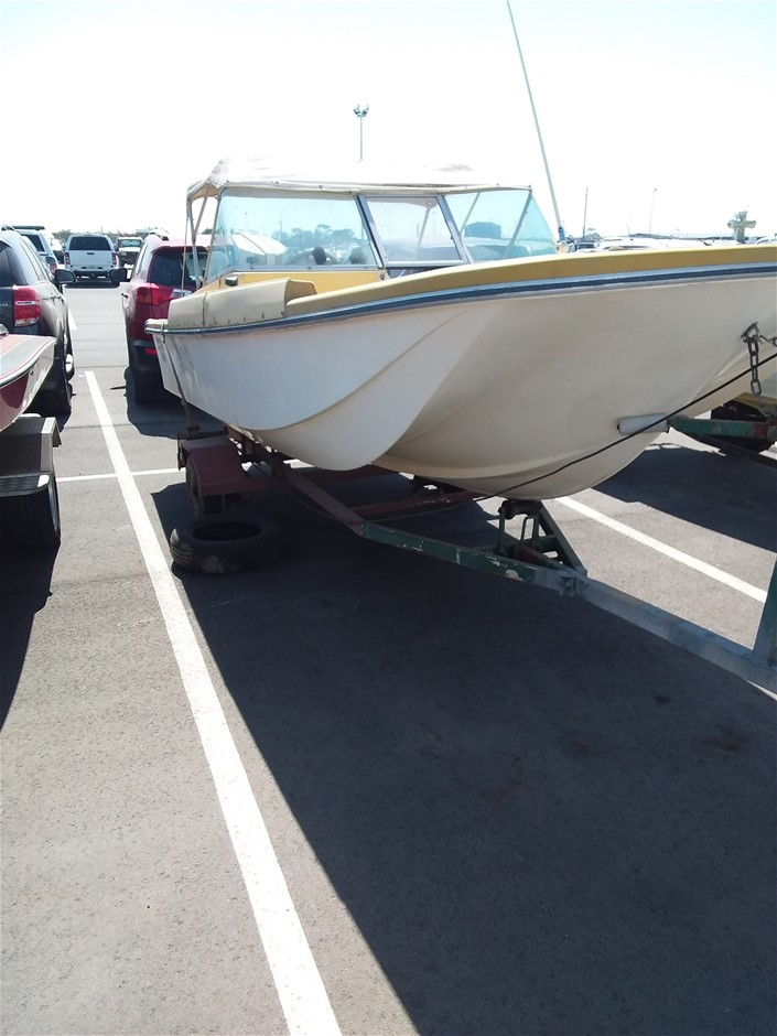 Haines Hunter Tri-Hunter 170 (Chrysler 105HP) Runabout Boat