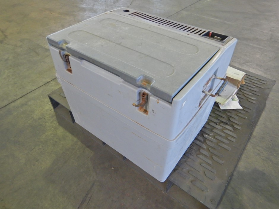 Chescold RC1180 Gas/Electric Portable Fridge (Pooraka, SA)