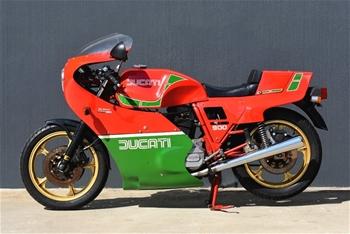 1983 Ducati Desmo 900cc Mike Hailwood Replica
