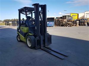Clark C30L Counterbalance Forklift