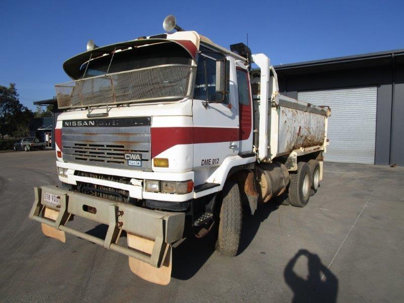 1990 Nissan UD CWA290 6 x 4 Tipper Truck