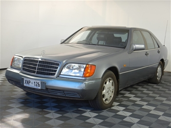 1992 Mercedes Benz 300SE Automatic Sedan