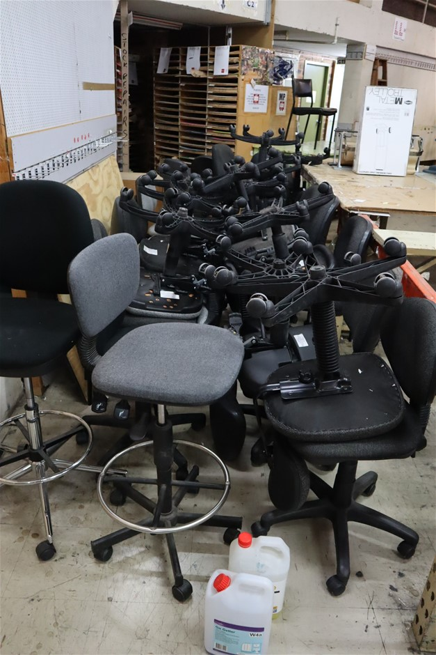 27 x Assorted Gas Lift Typist Chairs and 2 x Gas Lift Stools