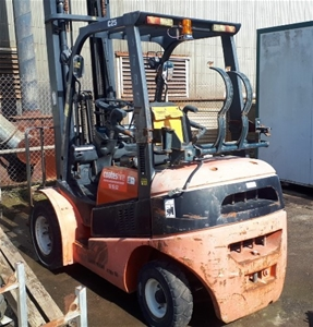 2005 Clark C25L Counterbalance Forklift