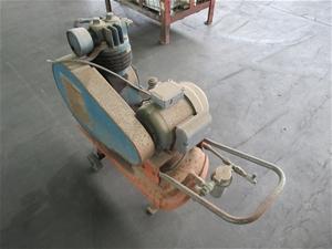Binks Bullows KA-300 Air Compressor (Poo