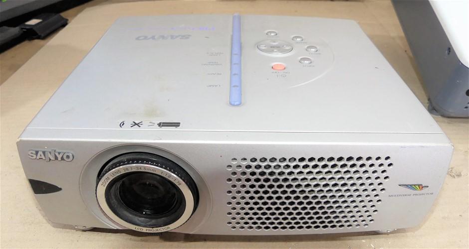 Sanyo Proxtra X Multiverse Projector, Model: PLC-XW20A