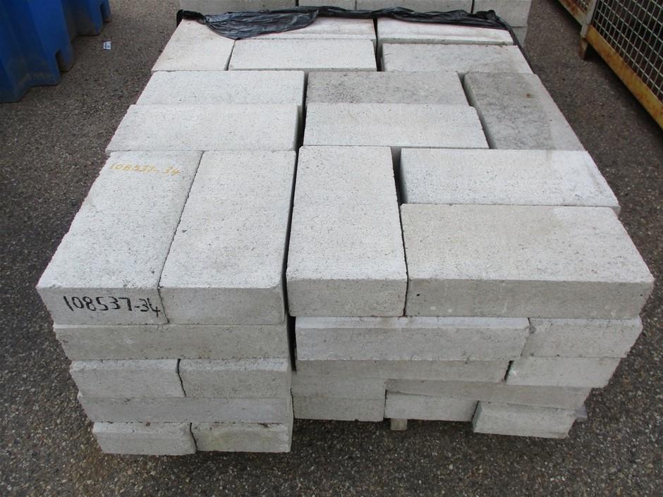 Qty 75x Concrete Blocks