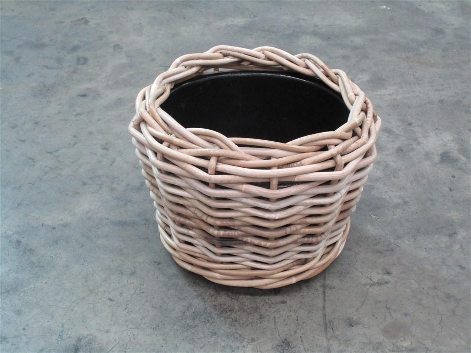 Pallet of 28 Rattan Planter Basket with Plastic Liner