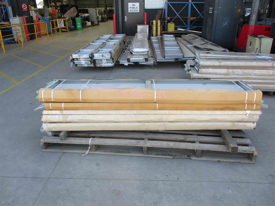Pallet of Approximately 10 x Assorted Panel Door Sections