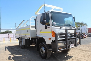 2012 Hino GT 4 x 4 Service Truck with Ma