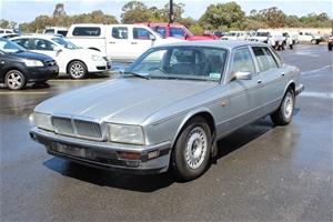 1993 Daimler Saloon DK RWD Automatic Sed