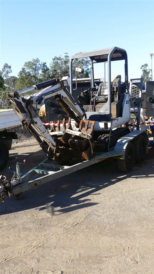 Bobcat 323**J Mini Excavator with Tandem Trailer