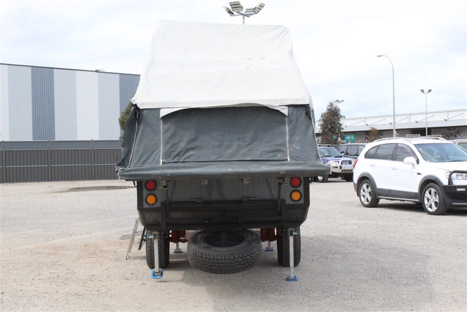 2016 Four-Berth Single Axle Off-road Camper Trailer