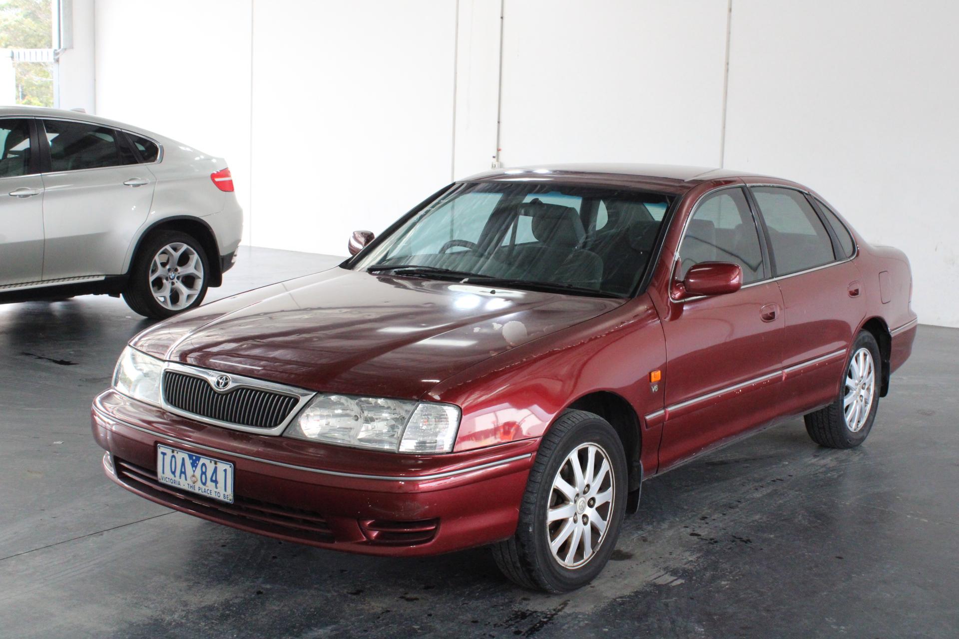 2002 Toyota Avalon VXI MCX10R Automatic Sedan
