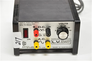Power supply switchable 2-12V AC/DC 5A,