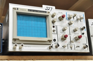 Oscilloscope portable 20 MHz two channel