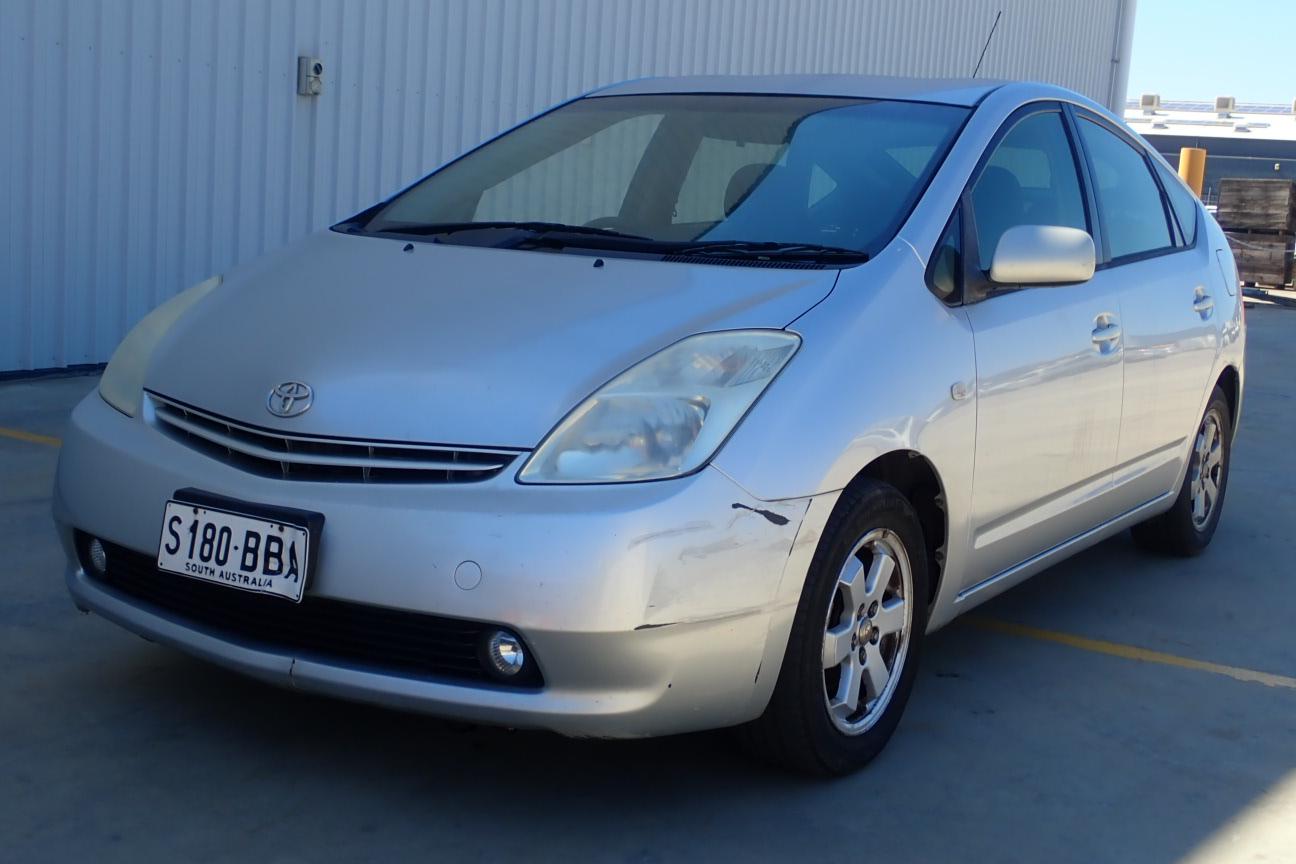2004 Toyota Prius Hybrid CVT Hatchback