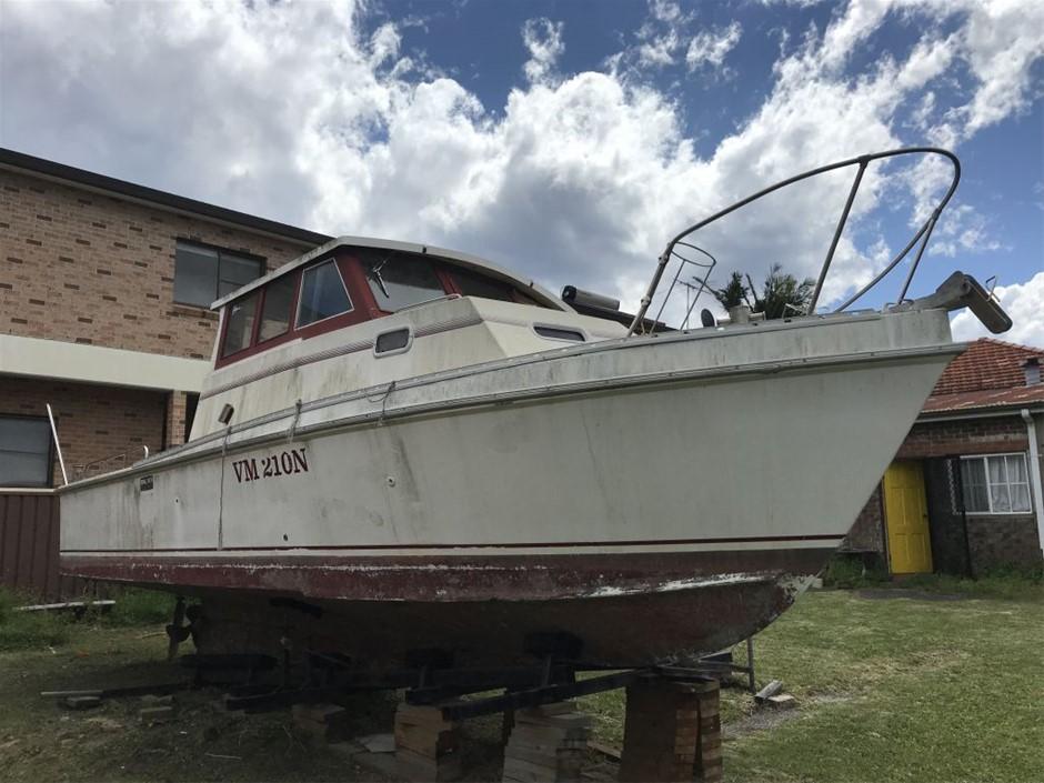 Unknown 9.2 meters Metre Fibreglass hull Cruiser