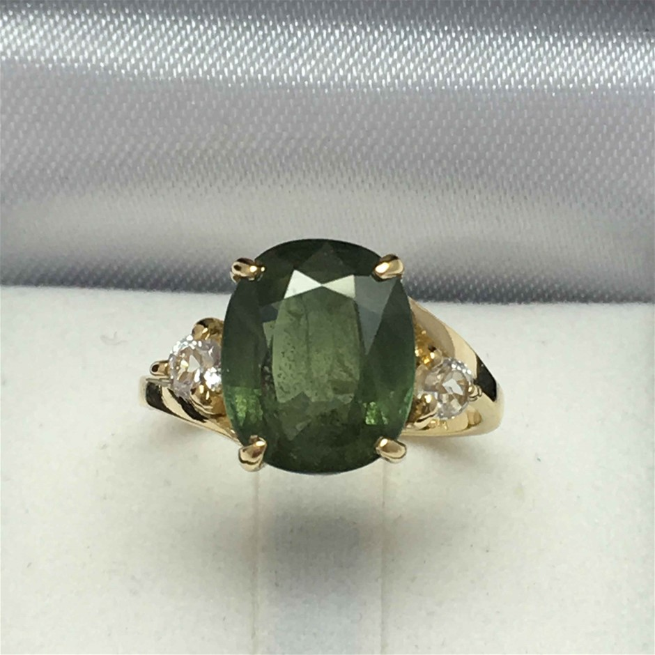 18ct Yellow Gold, 6.63ct Green and White Sapphire Ring