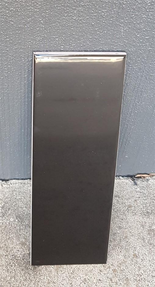 Black Gloss Subway 10x30cm Ceramic Wall Tiles, 86.4m², 1224Kg