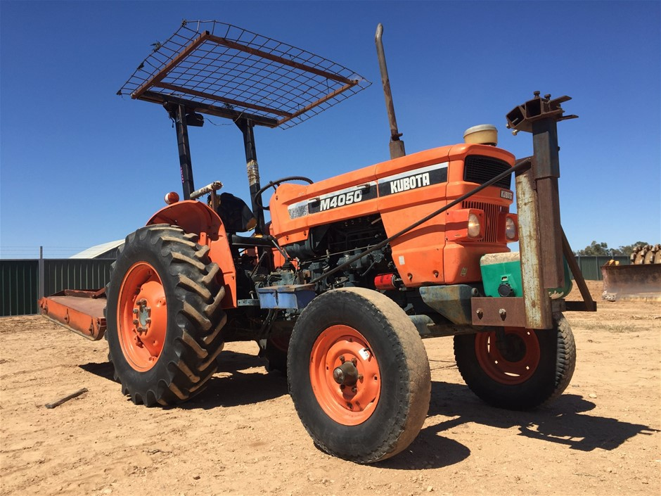 Kubota M4050 Tractor