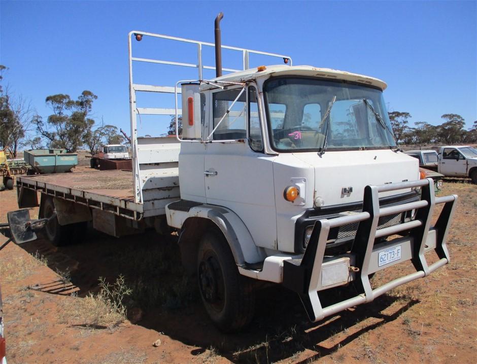Hino Tray Truck