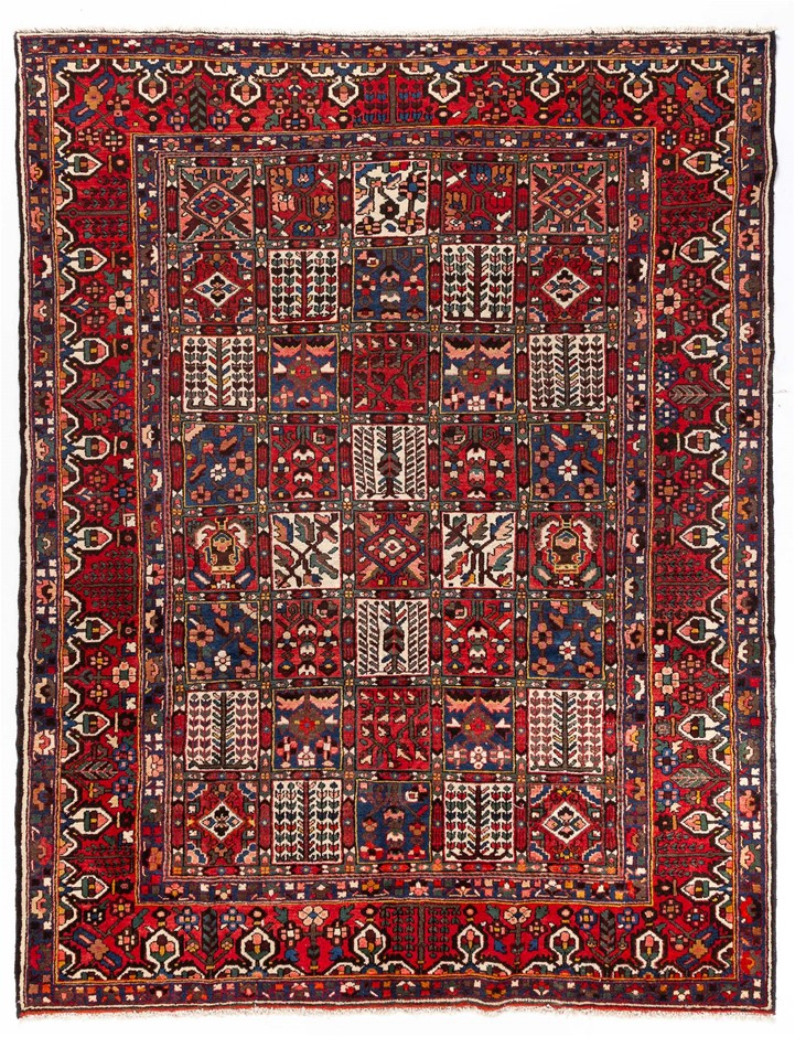 Persian Baktiari Hand Knotted 100% Wool pile Size (cm): 265 x 345