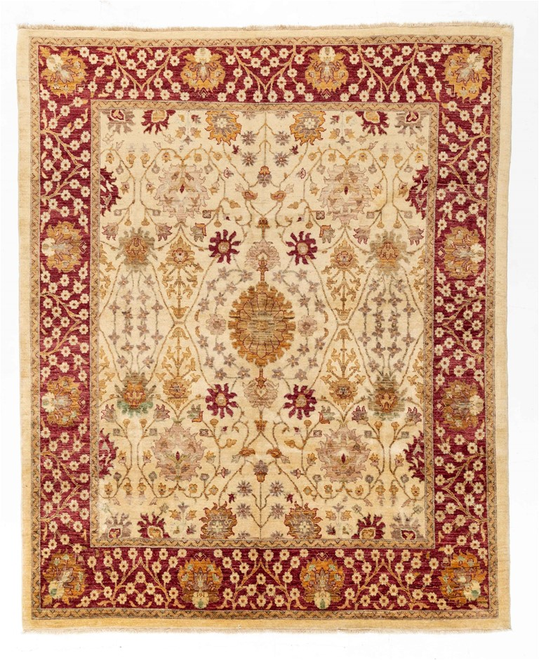 Afghan Hezari Hand Knotted 100% Wool pile Size (cm): 250 x 305
