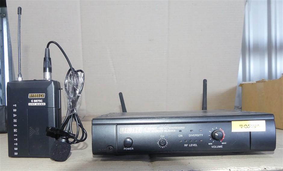 Redback C 8870 UHF Receiver and C 8875c Microphone Transmitter + Lapel
